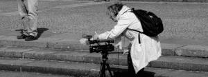 Anice Clément sur le tournage d'un de ses films documentaire